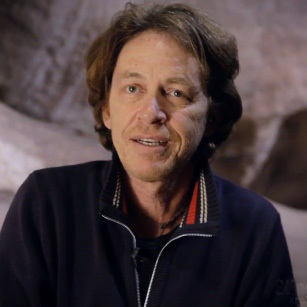 Sting.com > News > Dominic Miller – Live From the Back To Bass Tour (preview) - medium